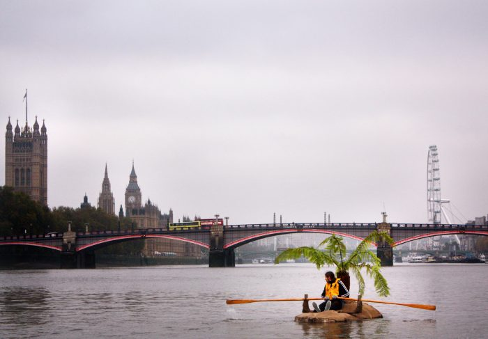 Voyage, 2009, Performance on Thames